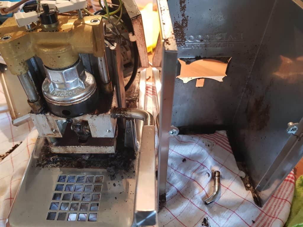 La Piccola Service Wartung verdreckte Maschine